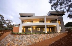11 Fachadas de casas modernas a desnivel (9)