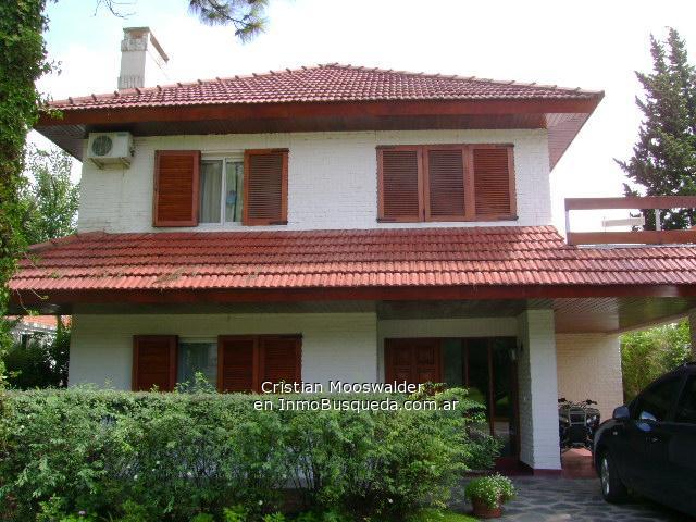 Fachadas de casas bonitas con teja images for Fotos de casas modernas con techo de tejas
