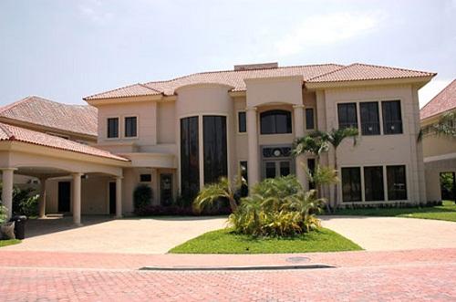 Uncategorized fachadas de casas modernas for Disenos de casas lujosas