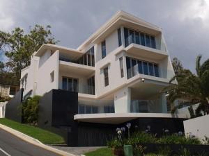 10 Fachadas de casas modernas de 3 niveles (10)