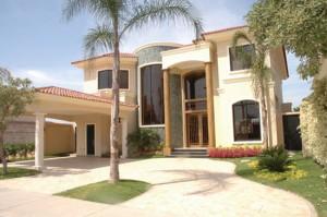 10 Fachadas de casas modernas residenciales (11)