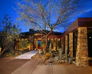 10 fachadas de casas modernas con lajas (8)