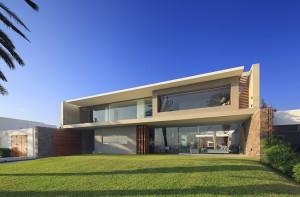 10 fachadas de grandes casas modernas (3)