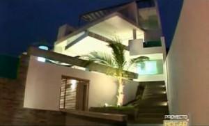 11 fachadas de casas modernas a desnivel (2)