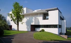 10 fachadas de casas modernas blancas (4)