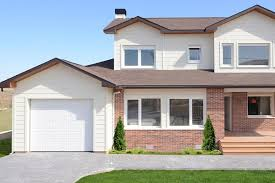 10 fachadas de casas modernas con molduras (10)