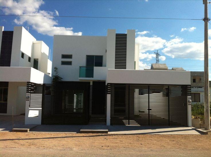 10 fachadas de casas modernas con rejas fachadas de for Fachadas de entradas de casas modernas