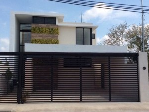 10 fachadas de casas modernas con rejas (5)