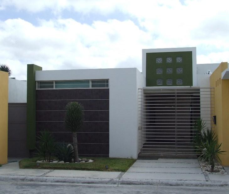 Disenos Puertas Frente Casa 25: 10 Fachadas De Casas Modernas Con Rejas